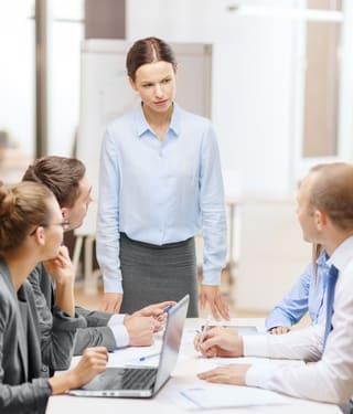 Szkolenie wstępne BHP – przed dopuszczeniem pracownika do pracy.