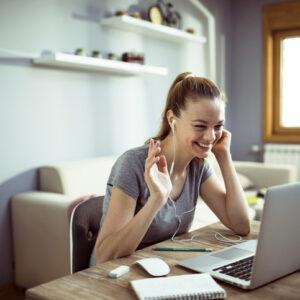 Kika słów o BHP w dobie koronawirusa, czyli zadbaj o stanowisko pracy w domu